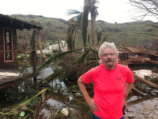 """Thien duong cua """"di nhan"""" Richard Branson tan hoang sau sieu bao Irma"""