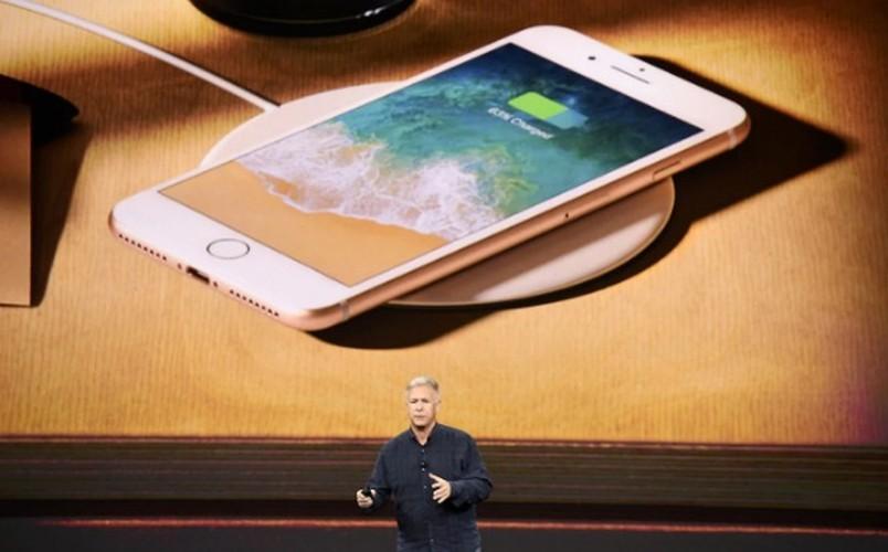 "Soi diem yeu khien iPhone 8/8 Plus vua ra mat da bi ""nem da""-Hinh-4"