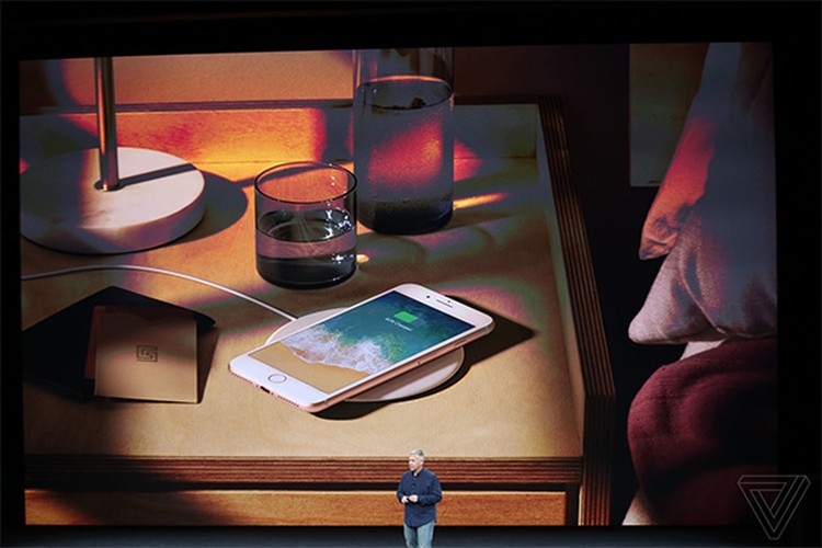 "Can canh ""bom tan"" iPhone 8/iPhone 8 Plus vua chinh thuc ra mat-Hinh-13"