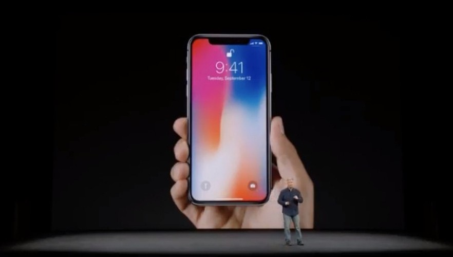iPhone X cuc chat, gia soc 999 USD co gi doc?-Hinh-11
