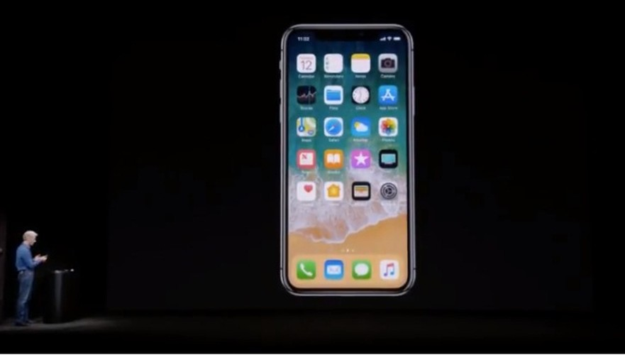 iPhone X cuc chat, gia soc 999 USD co gi doc?-Hinh-7