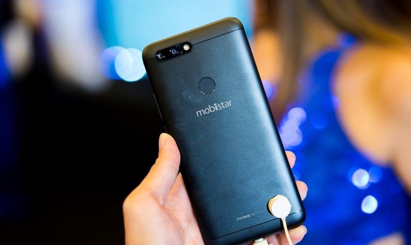 """Mo xe"" smartphone 4 camera dau tien o Viet Nam vua lo dien-Hinh-6"