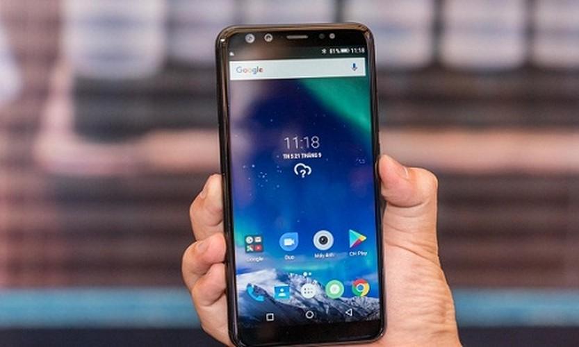 """Mo xe"" smartphone 4 camera dau tien o Viet Nam vua lo dien"
