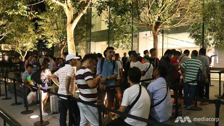 Anh nong: iPhone 8 dau tien den tay nguoi dung-Hinh-11