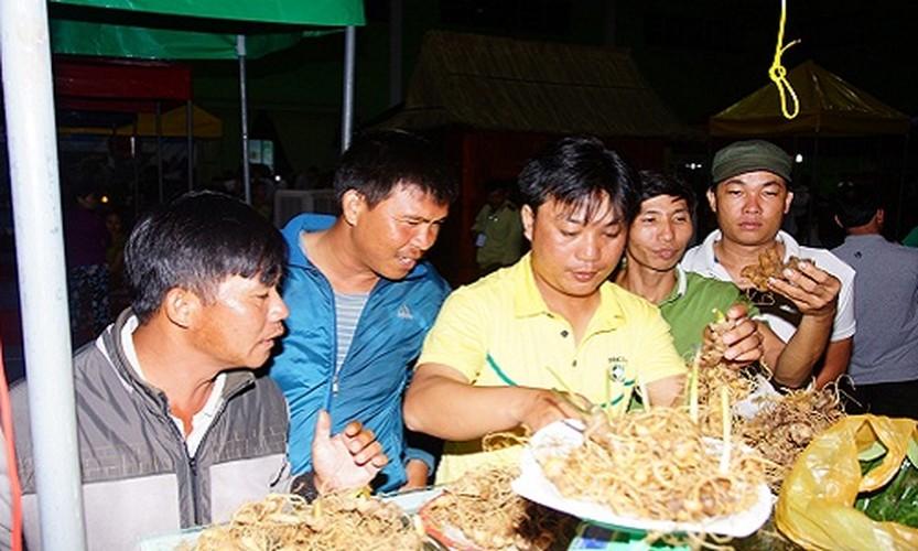Hinh anh cho sam Ngoc Linh doc nhat o Quang Nam-Hinh-4