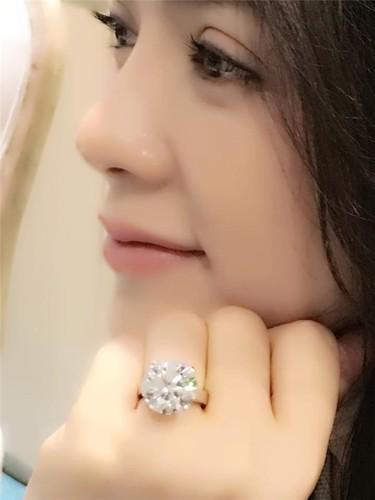 Choang vang thu choi kim cuong xa xi cua my nhan Viet-Hinh-3