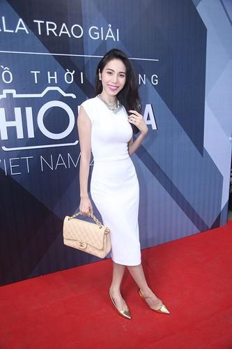 Choang vang thu choi kim cuong xa xi cua my nhan Viet-Hinh-7