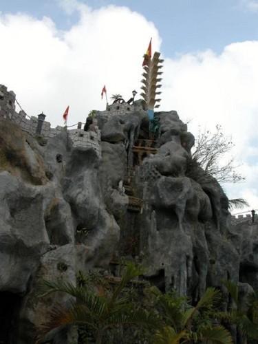 Choang vang dinh thu khung cua cac dai gia tinh le-Hinh-15