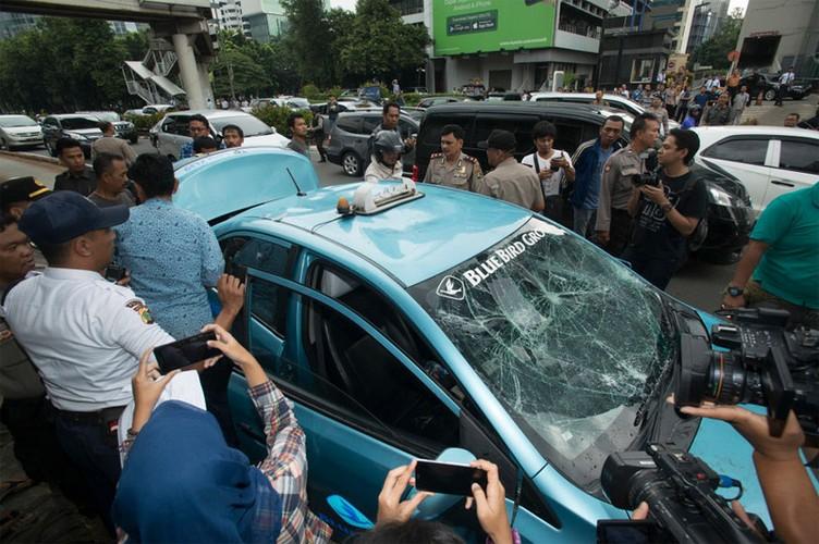 Cac hang taxi the gioi phan doi Uber, Grab bang cach nao?-Hinh-4