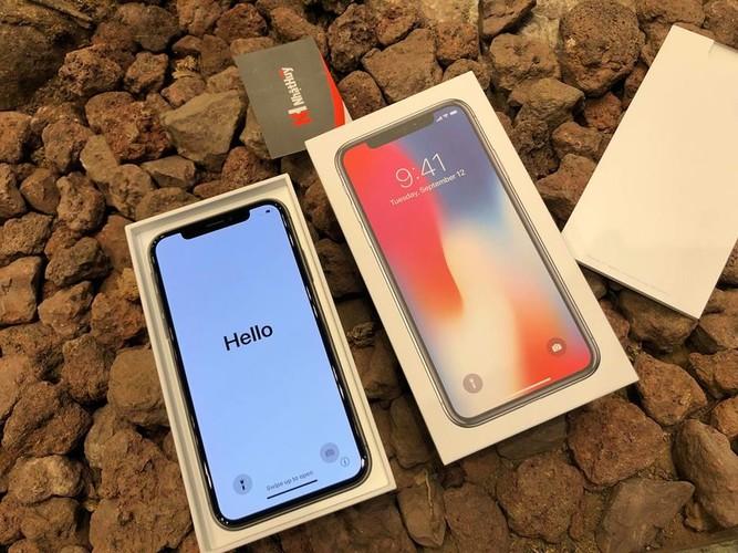 Anh nong iPhone X dau tien ve Viet Nam, gia 68 trieu-Hinh-2