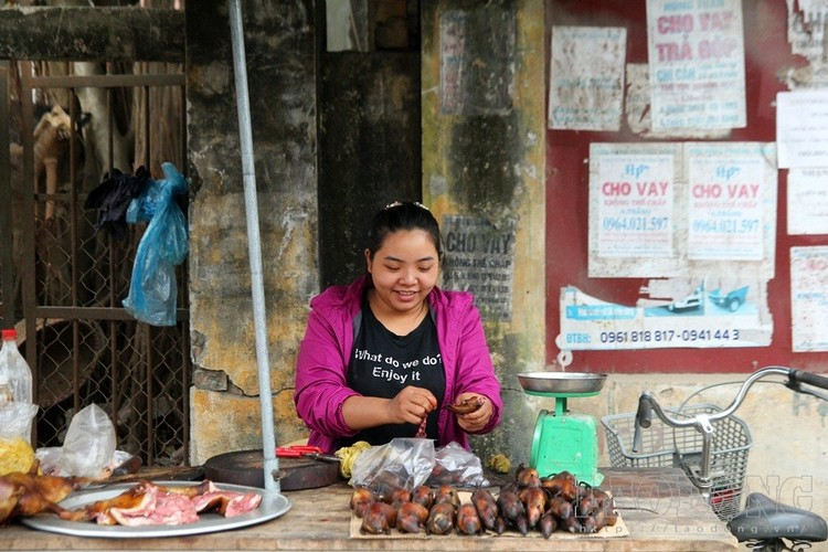 Ha Noi vao mua thit chuot: Do ve Thach That nhau dac san-Hinh-4