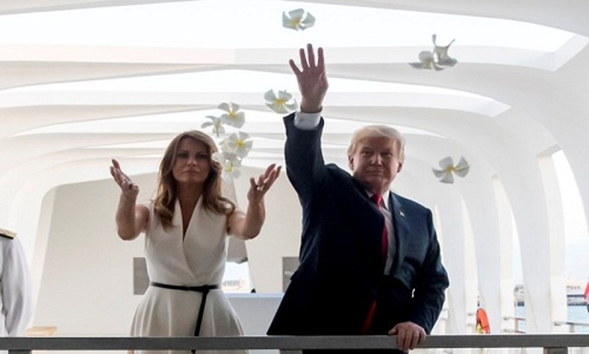 """Bo suu tap thoi trang"" cua ba Trump khi cong du chau A-Hinh-2"