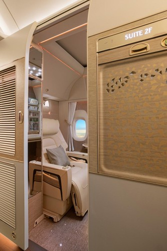 Trai nghiem khoang VIP moi sieu sang tren Boeing 777-300ER-Hinh-3