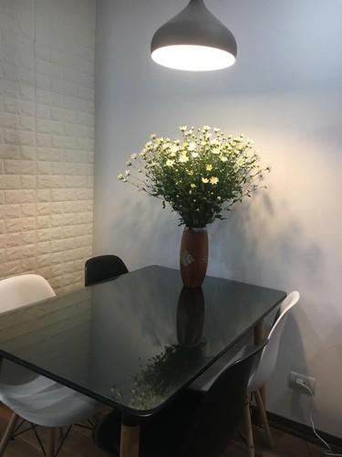 Cach trang tri nha dep tinh khoi voi cuc hoa mi-Hinh-5