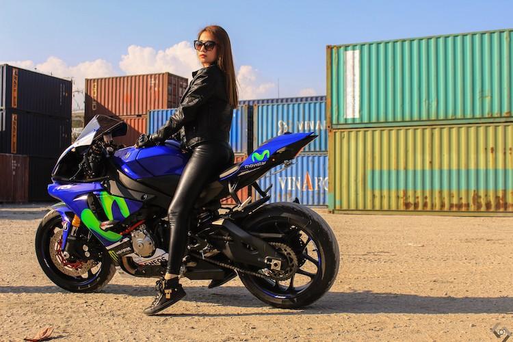 """Nguoi dep Viet """"nai cung"""" sieu moto Yamaha R1-Hinh-10"""