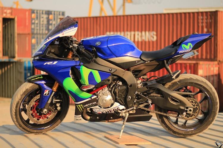 """Nguoi dep Viet """"nai cung"""" sieu moto Yamaha R1-Hinh-2"""
