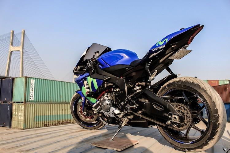 """Nguoi dep Viet """"nai cung"""" sieu moto Yamaha R1-Hinh-3"""