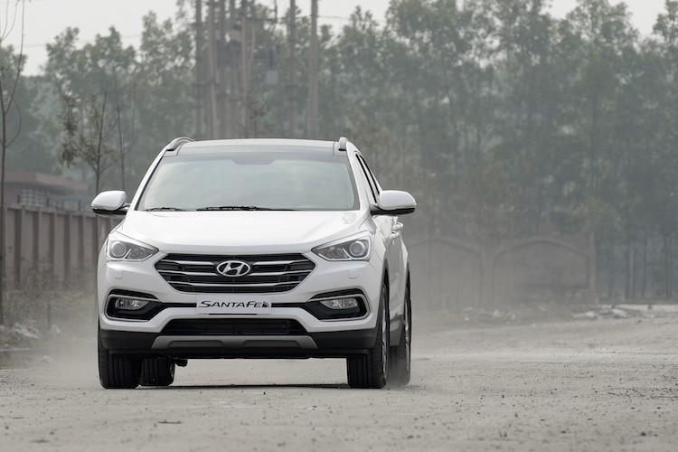 Hyundai SantaFe giam gia ca tram trieu dong tai VN-Hinh-14