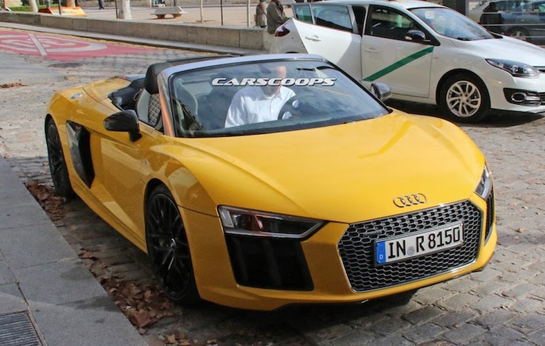 """Bat qua tang"" Audi R8 Spyder 2016 mui tran khong che day"