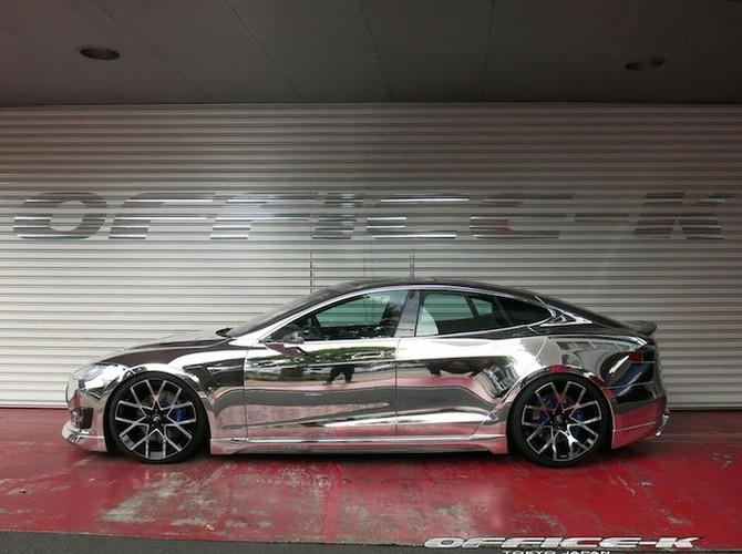 Can canh sieu xe xanh Tesla Model S do chrome tu Nhat-Hinh-4