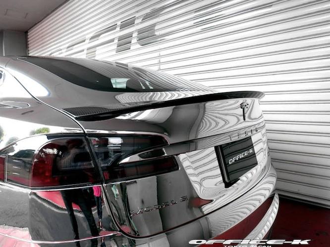 Can canh sieu xe xanh Tesla Model S do chrome tu Nhat-Hinh-8