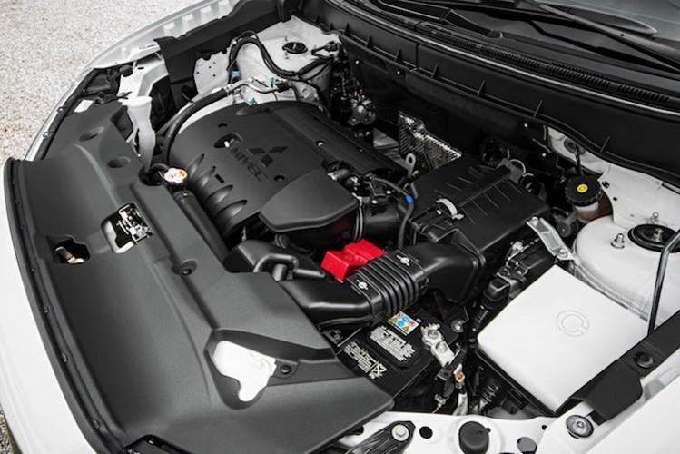 Mitsubishi Outlander Sport ban nang cap 2017 co gi?-Hinh-6
