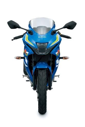 """Suzuki """"trinh lang"""" xe moto the thao gia re GSX-R125-Hinh-2"""