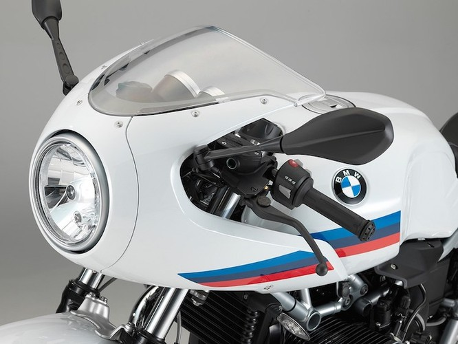BMW R nine T co them ban cafe racer gia re-Hinh-2