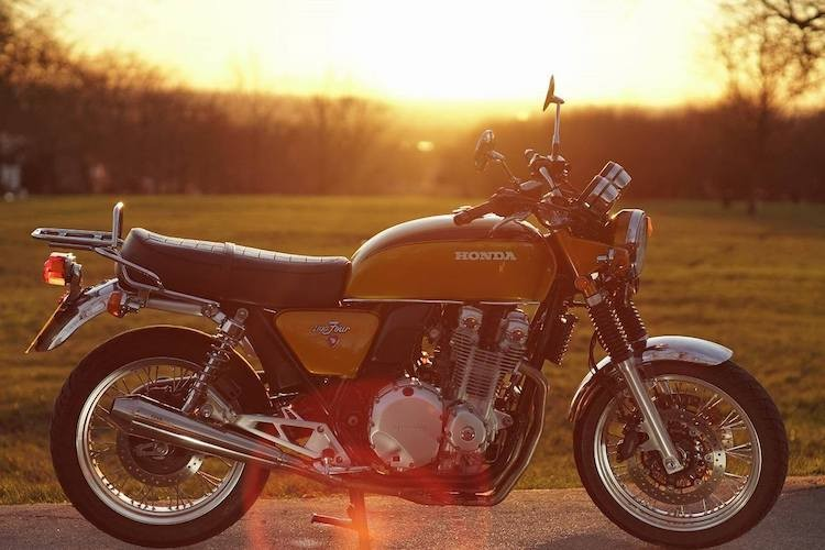 "Moto Honda CB1100 EX ""bien hinh"" huyen thoai CB750 Four"
