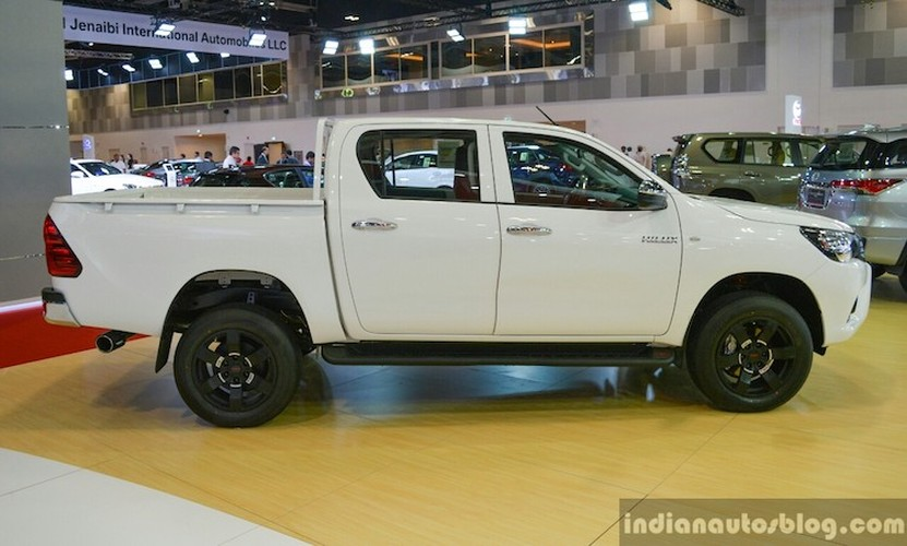 Toyota ra mat Hilux the thao TRD