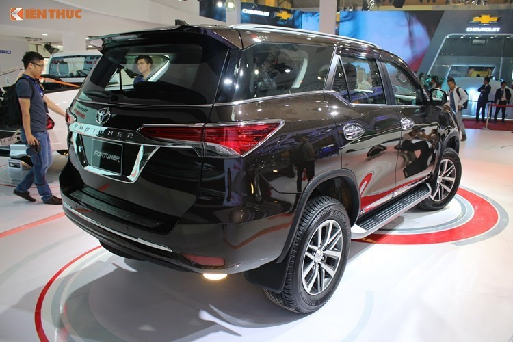 Toyota Fortuner re hon Ford Everest toi 600 trieu tai VN-Hinh-13
