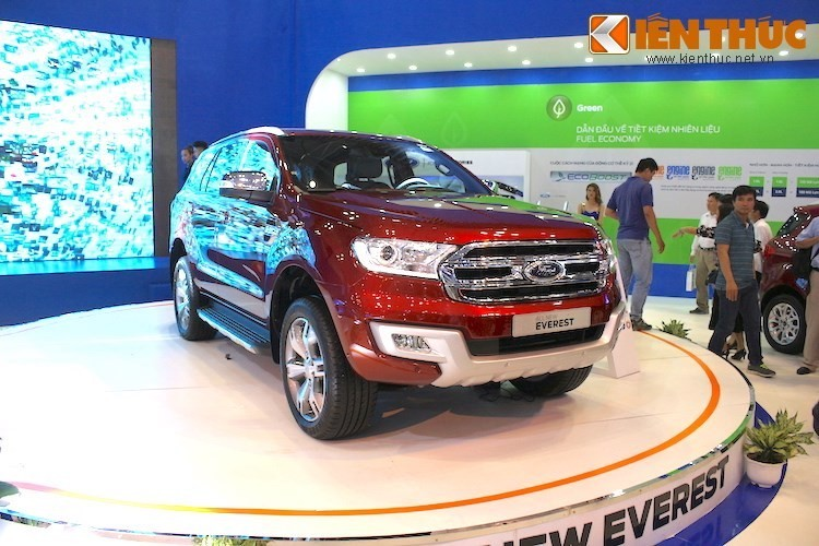 Toyota Fortuner re hon Ford Everest toi 600 trieu tai VN-Hinh-2