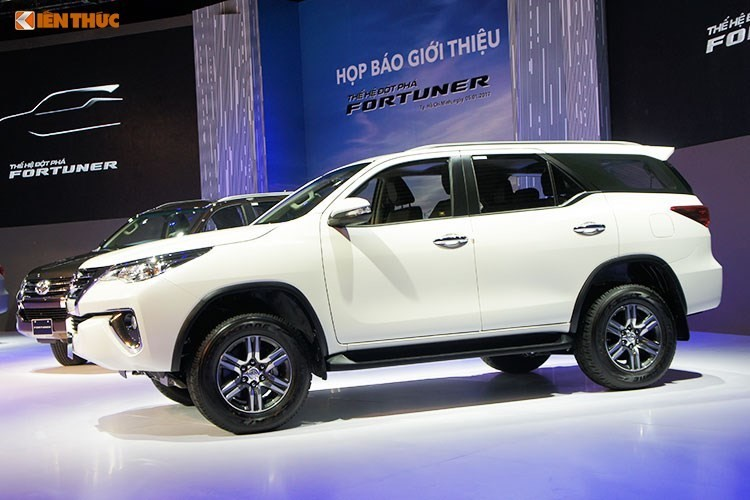 Toyota Fortuner re hon Ford Everest toi 600 trieu tai VN-Hinh-5