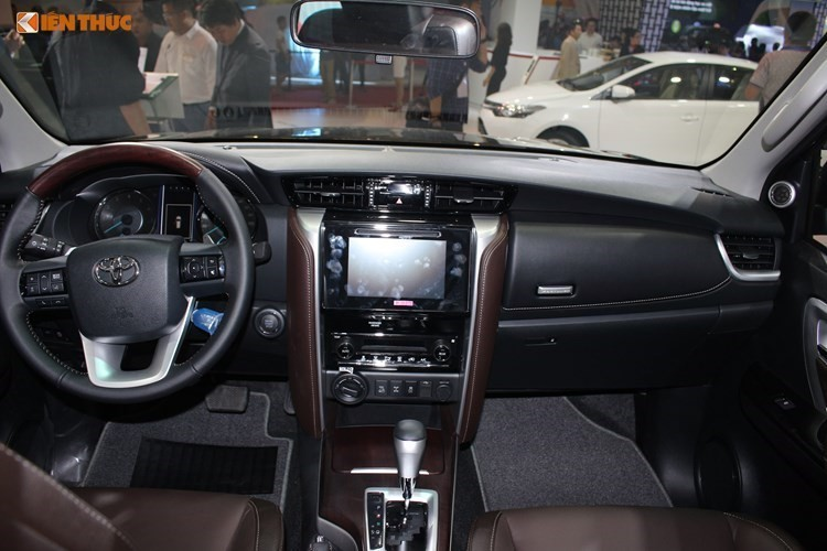 Toyota Fortuner re hon Ford Everest toi 600 trieu tai VN-Hinh-7