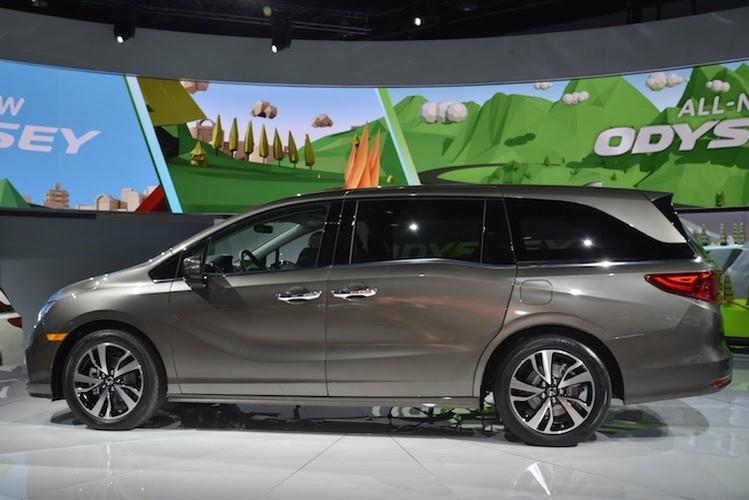 """Xe gia dinh """"sieu tien loi"""" Honda Odyssey 2017 co gi?-Hinh-3"""