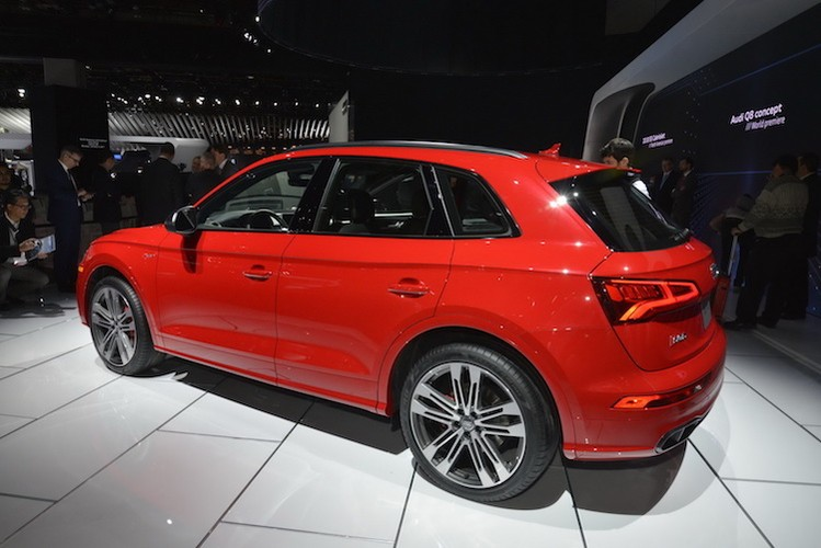 Chi tiet crossover the thao Audi SQ5 tai Detroit 2017-Hinh-3