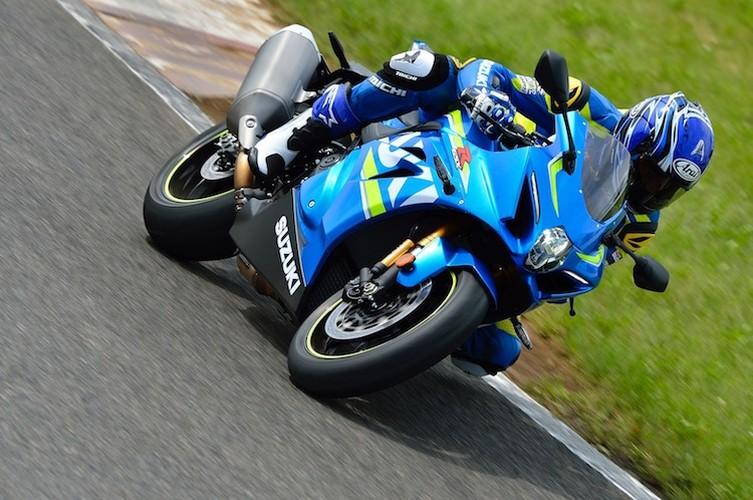 """Dau"" Yamaha R1, Suzuki GSX-R1000 chot gia 329 trieu-Hinh-2"