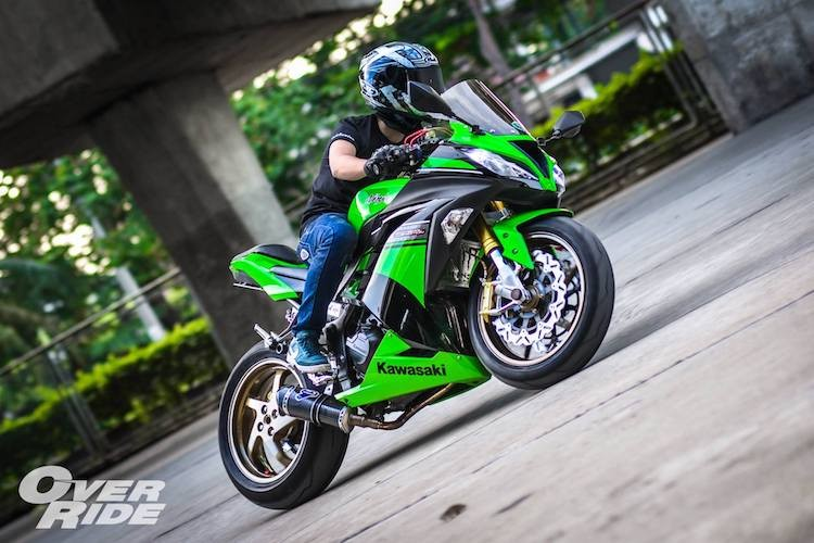 "Sportbike Kawasaki Ninja 300 do superbike ""sieu khung""-Hinh-6"