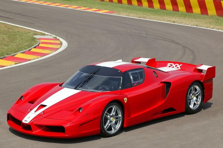 """Diem danh"" loat sieu xe dua XX cuc khung cua Ferrari"