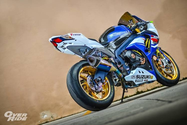 Sieu moto Suzuki GSX-R1000 do do choi