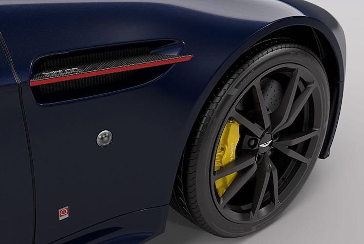 """Sieu xe Aston Martin Vantage co ban """"bo huc"""" Red Bull-Hinh-5"""