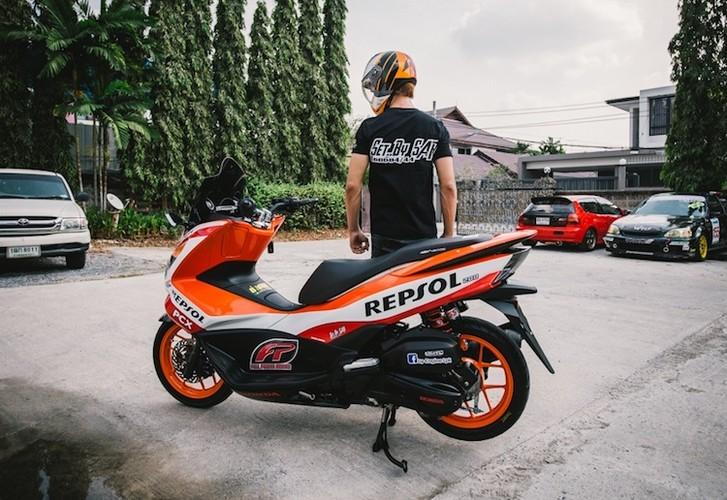 "Honda PCX150 ""sieu the thao"" phong cach Repsol-Hinh-9"