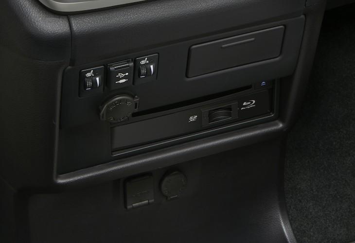 """Minivan gia dinh Toyota Sienna 2018 co gi """"hot""""?-Hinh-4"""