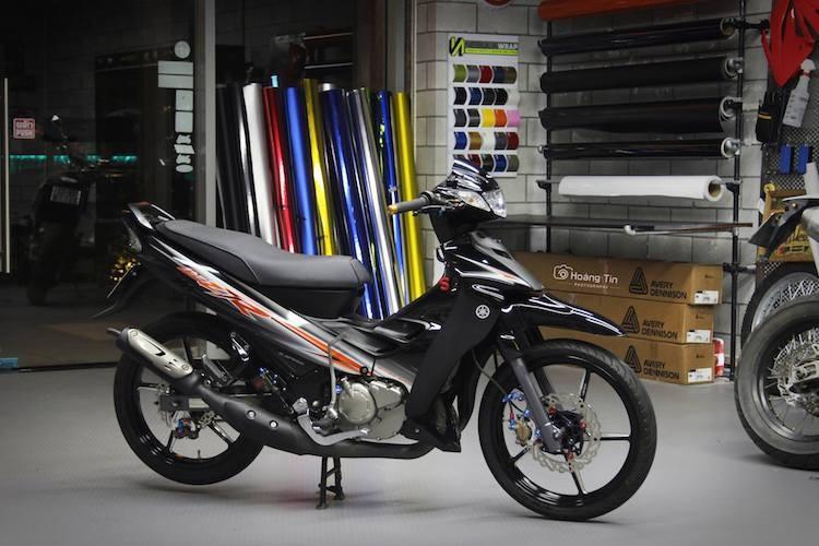 """Xe no Yamaha 125ZR do """"chan khung"""" tai Sai Gon"""