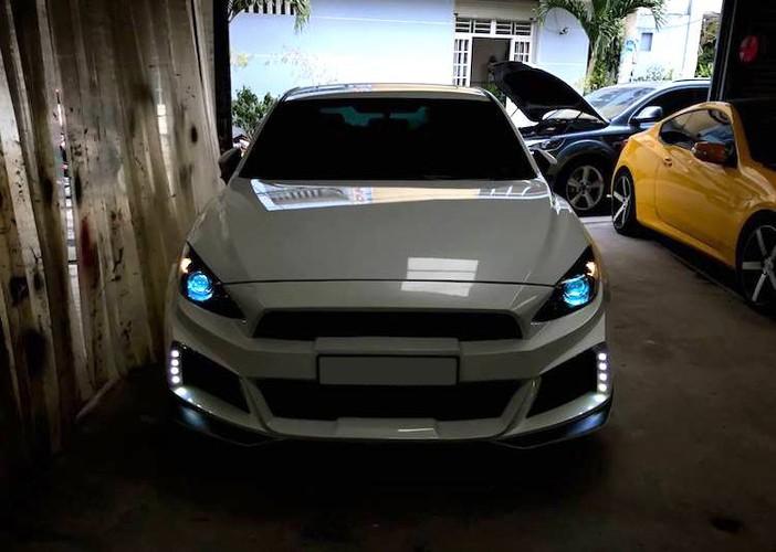 "Mazda 3 do bodykit ""made in VN"" hang doc tai Sai Gon-Hinh-4"