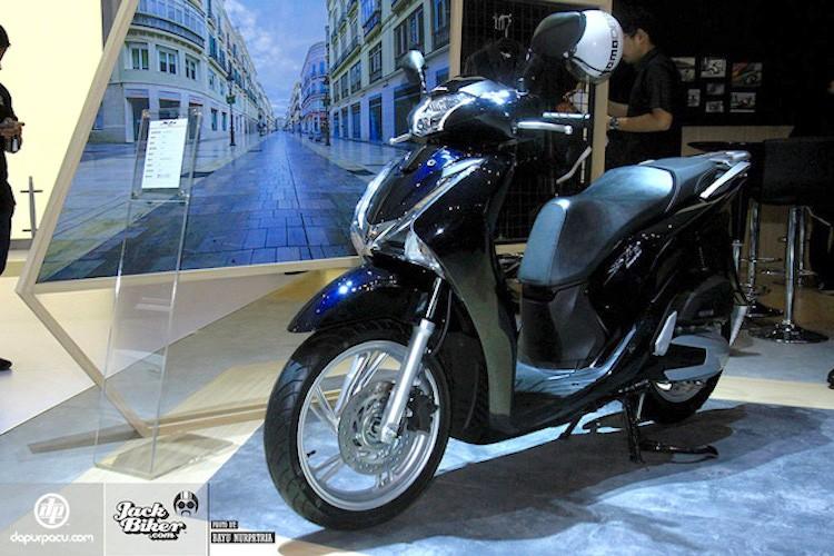 Honda ra mat SH150i ABS 2017 gia 76 trieu tai Indonesia
