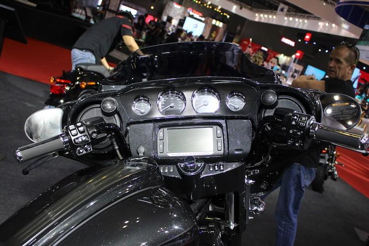 Harley-Davidson CVO Street Glide 2017 gia 1,86 ty tai VN-Hinh-5