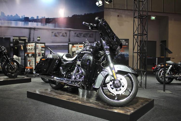 Harley-Davidson CVO Street Glide 2017 gia 1,86 ty tai VN
