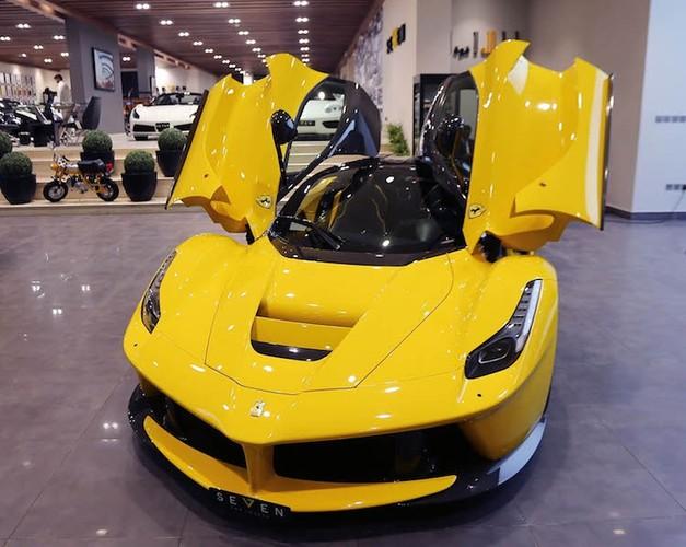 Bo tu sieu xe Ferrari hang khung, tien ty hop mat-Hinh-11