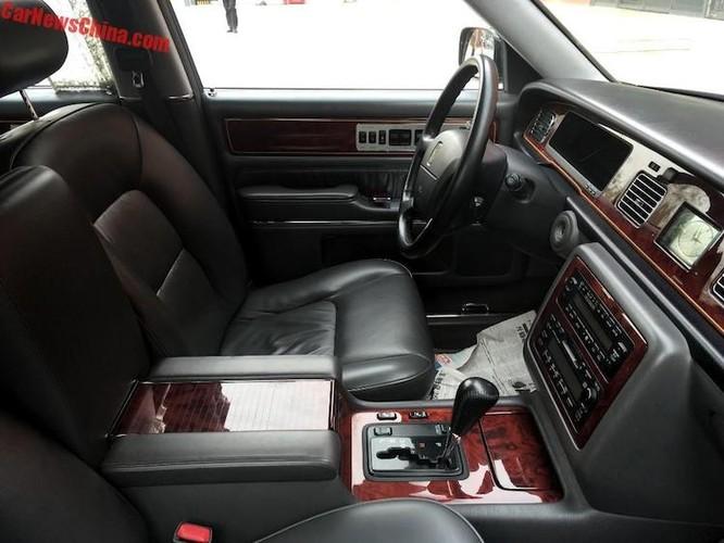 Can canh sedan Century, xe sang khung nhat cua Toyota-Hinh-5